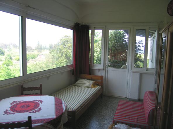 http://idyllion.gr/Akolihauswintergarten.jpg